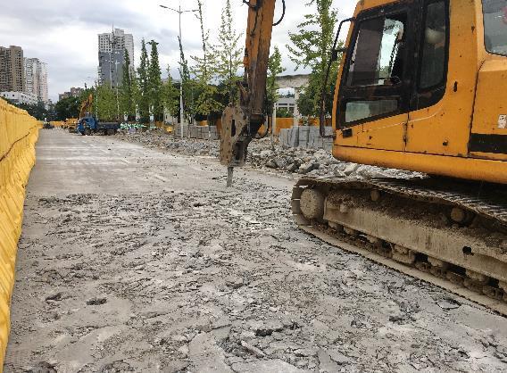 万松东路、罗阳大道改造提升工程进展如何?
